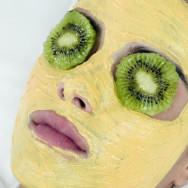 Рецепты масок для лица из киви